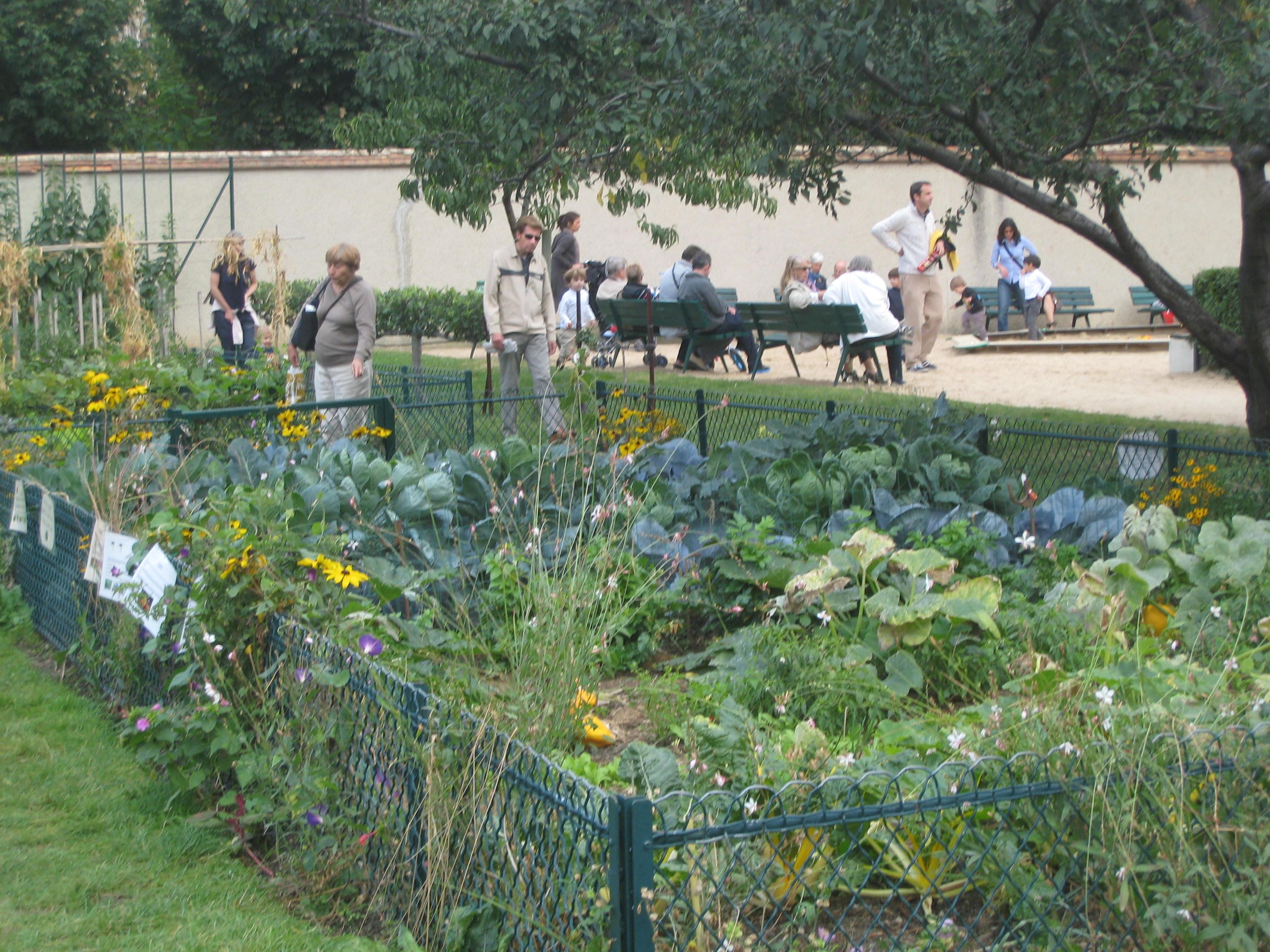 Paris le bonheur est dans le jardin for Jardin catherine laboure
