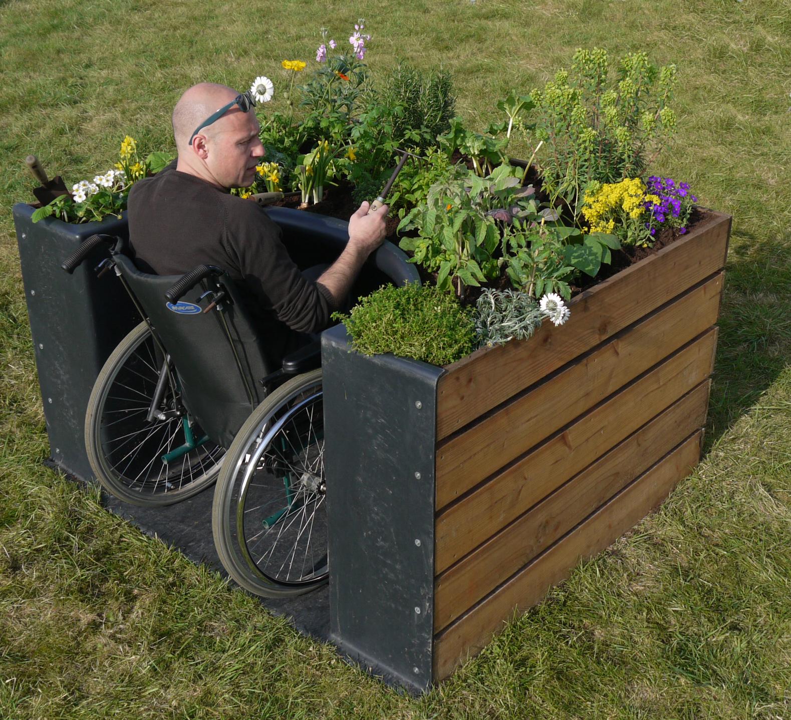 Terraform le bonheur est dans le jardin for Jardin de jardiniers
