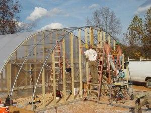 Ce sont les participants qui ont construit la serre.