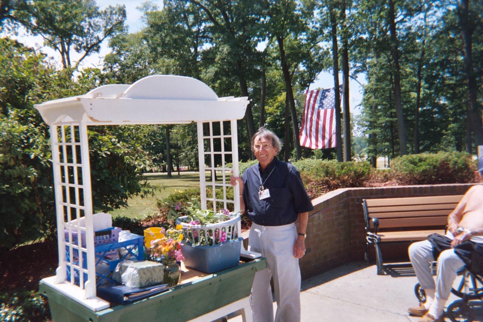 Grand rapids home for veterans le bonheur est dans le jardin for Le jardin voyageur peter brown