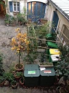 L'ensemble de l'espace poubelles, recyclage et compostage
