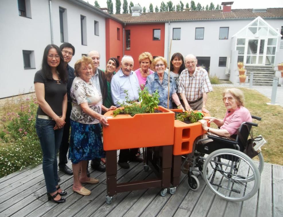 jardinage adapt aux personnes mobilit r duite le bonheur est dans le jardin. Black Bedroom Furniture Sets. Home Design Ideas