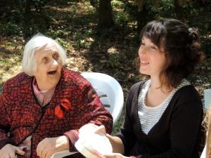 Romane et une jardinière au Jardin pour Tous