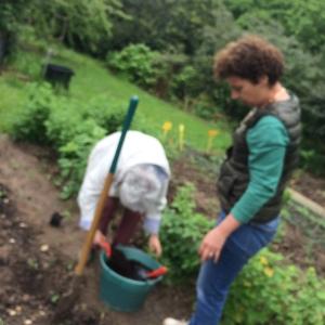 Nicole et une jardinière
